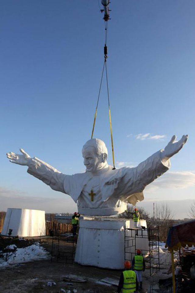 Installation of the world's largest statue of Pope John Paul II