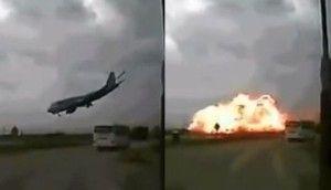 aereo afghanistan che si schianta al suolo