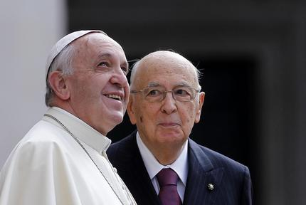 Pope Francis pays visit to Italian President Napolitano