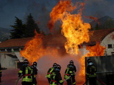 casa del grande fratello fuoco